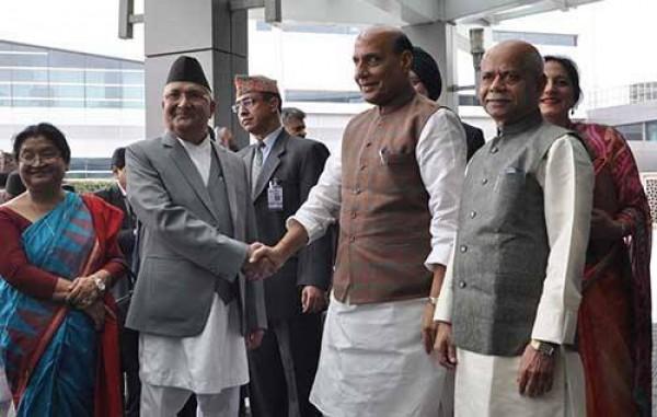 दिल्ली पुगे प्रधानमन्त्री ओली, राजनाथद्वारा स्वागत !