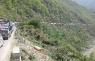 नारायणगढ—मुग्लिन सडक दिउँसो बन्द नहुने