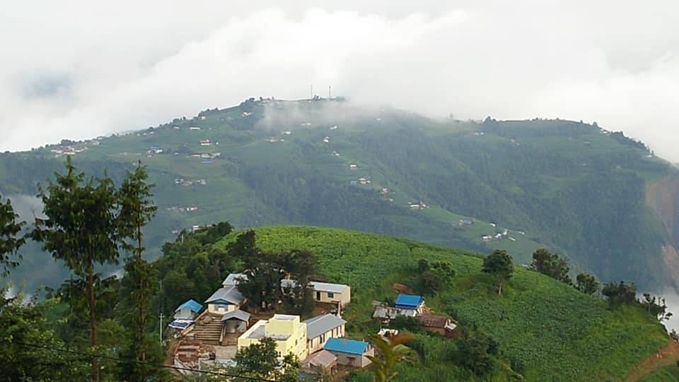 तस्बिरमा हेरौं, ललितपुर कोन्ज्योसोमको सुन्दर प्राकृतिक दृश्य